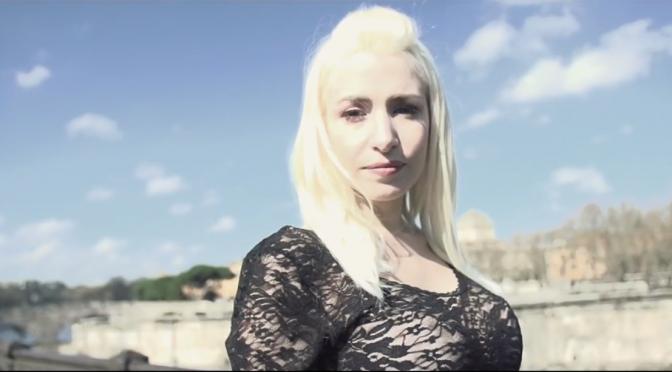 """Romina Falconi: video di """"Sotto il cielo di Roma"""""""