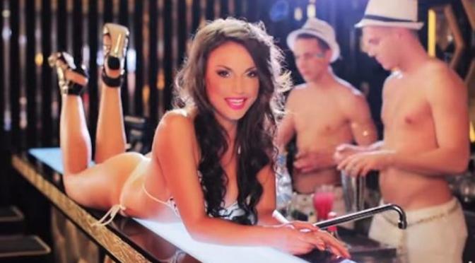 """Francesca De André: pole dance per il singolo d'esordio """"Yes Sir, I Can Boogie"""""""