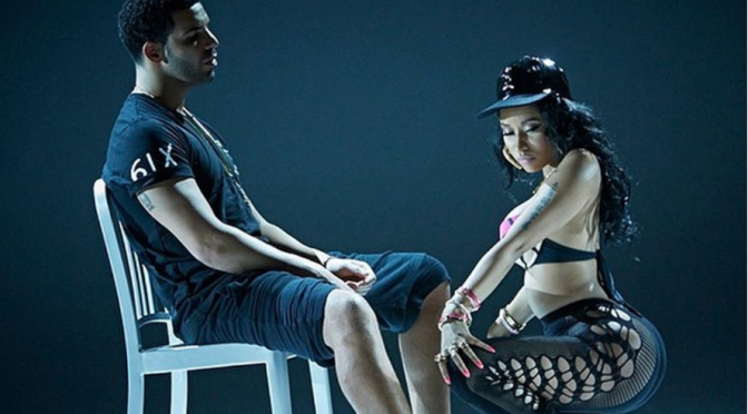 "Nicki Minaj, lato b in bella mostra nel video di ""Anaconda"""