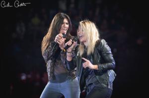 """Elisa e Emma duettano in """"Maledetto Labirinto"""". Photo Credit: Cristina Checchetto"""