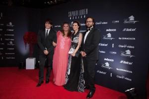 Laura Pausini sul red carpet con Paolo Carta, Sandra García-Sanjuán e il marito Ignacio Maluquer Uson