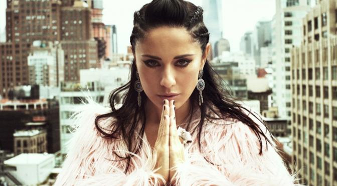 """Paola Iezzi, esce l'EP di cover """"i.Love"""" ed è già #1 su iTunes"""