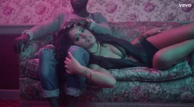 """Ada Reina, tinte rosa nel video di """"Tu pensi a me"""""""