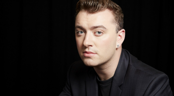 Sam Smith, duetto benefico con John Legend. Annullato concerto milanese