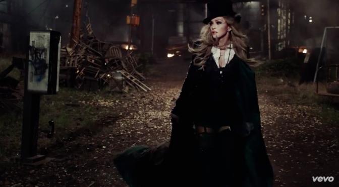 """Madonna sopravvive all'apocalisse nel video di """"Ghosttown"""""""