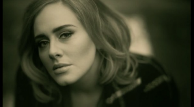 "Adele: ascolta e guarda il video di ""Hello"""