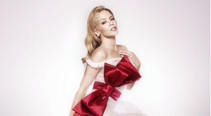"Con Kylie Minogue ""Every Day's Like Christmas"""