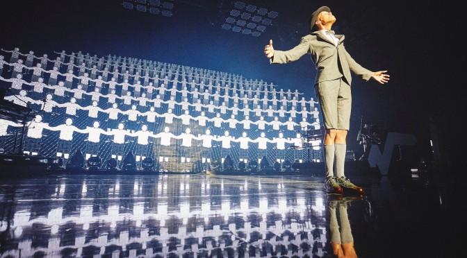 """Stromae: in arrivo il DVD """"√ Live"""""""