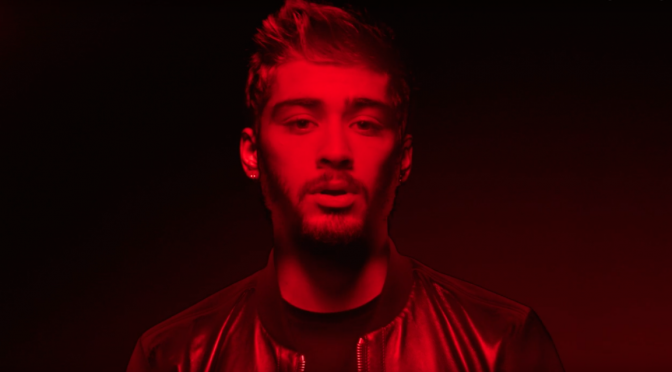 "Zayn Malik, video e testo di ""Pillowtalk"""