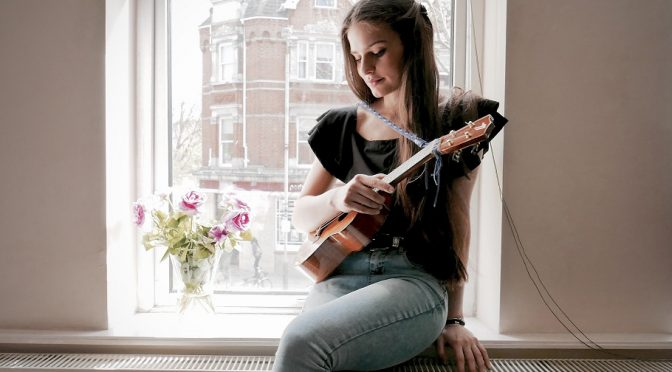 """Violetta Zironi: nuovo singolo """"Semplice"""" con Zibba"""
