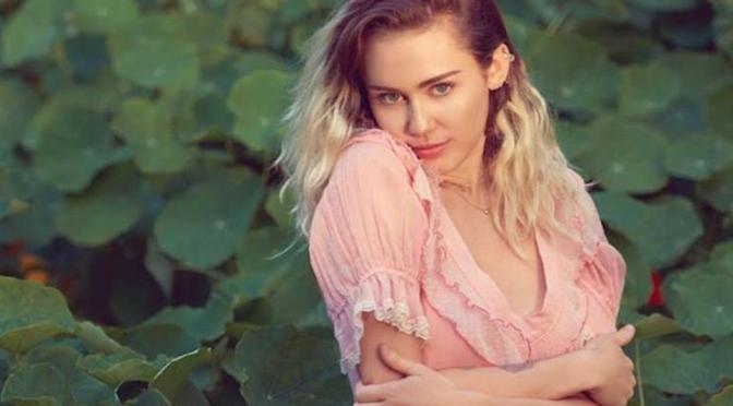 Malibu, Miley Cyrus si riscopre Santa Maria Goretti