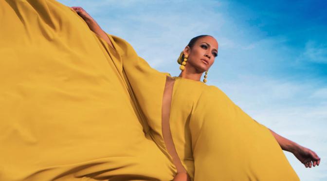 Jennifer Lopez torna allo spagnolo con 'Ni tú ni yo'