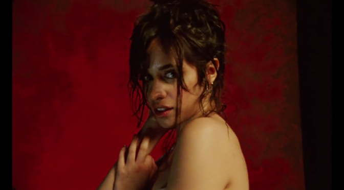 Camila PAZZESCA Cabello nel video di 'Never Be the Same'