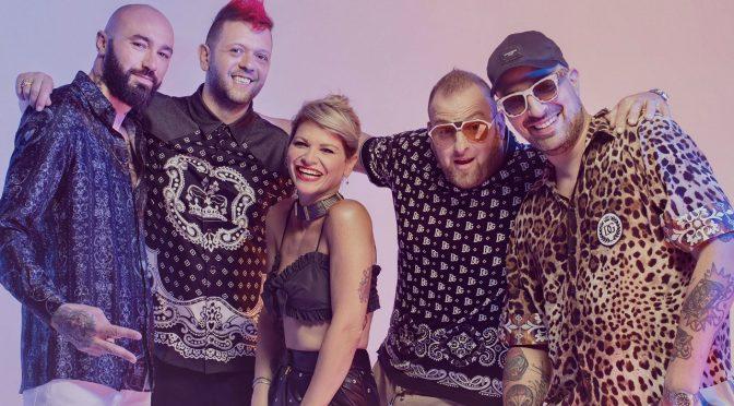 "Boomdabash e Alessandra Amoroso si danno al ""karaoke"""