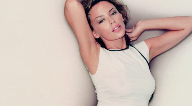 Kylie Minogue, 'Can't Get You Out Of My Head' compie 20 anni