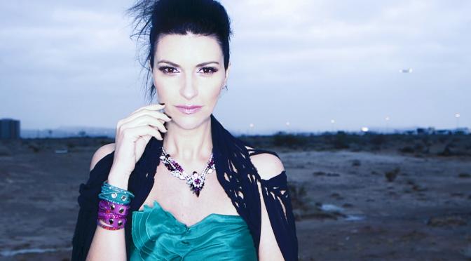 """Laura Pausini: da oggi in radio """"Se fué"""" con Marc Anthony. Domani esce in Italia """"20 – Grandes Exitos"""""""