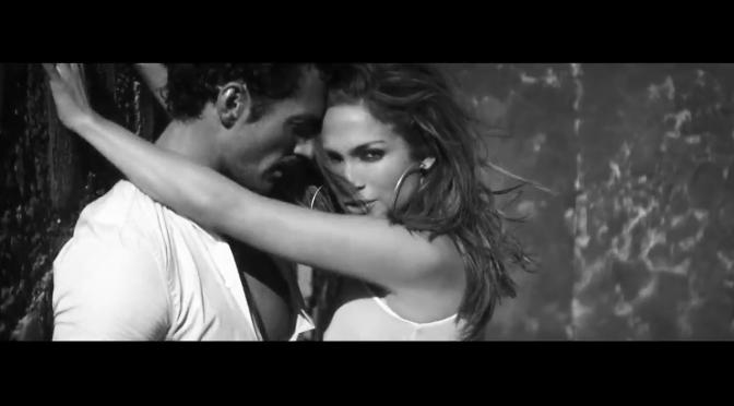 Tra Jennifer Lopez e David Gandy scoppia la passione nel deserto