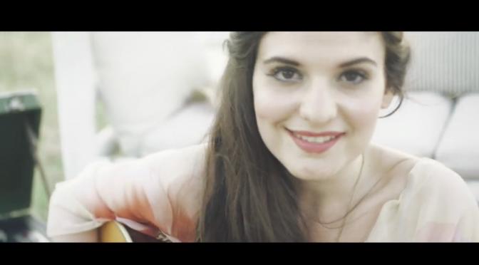 """""""Il primo giorno d'estate"""" di Violetta, uscito il video della finalista di X Factor"""