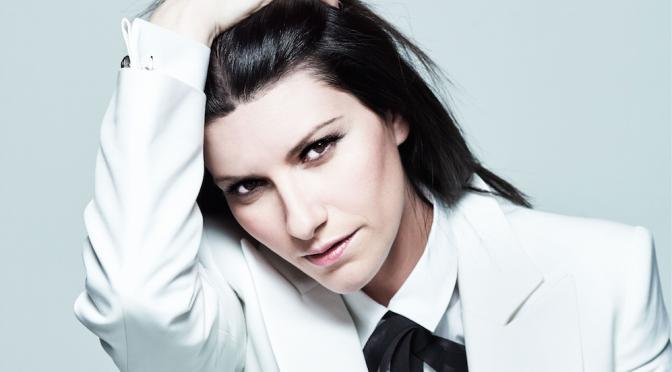 Laura Pausini, all'Arena di Verona ultimo (bagnatissimo) concerto italiano