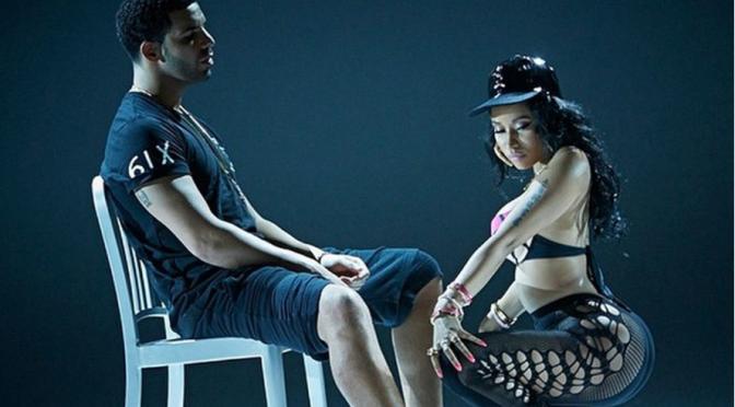 "Nicki Minaj, lato b in bella mostra nel video di ""Anaconda"""