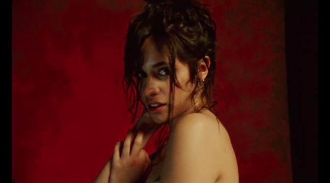 Camila PAZZESCA Cabello nel video di 'Never Be the Same'